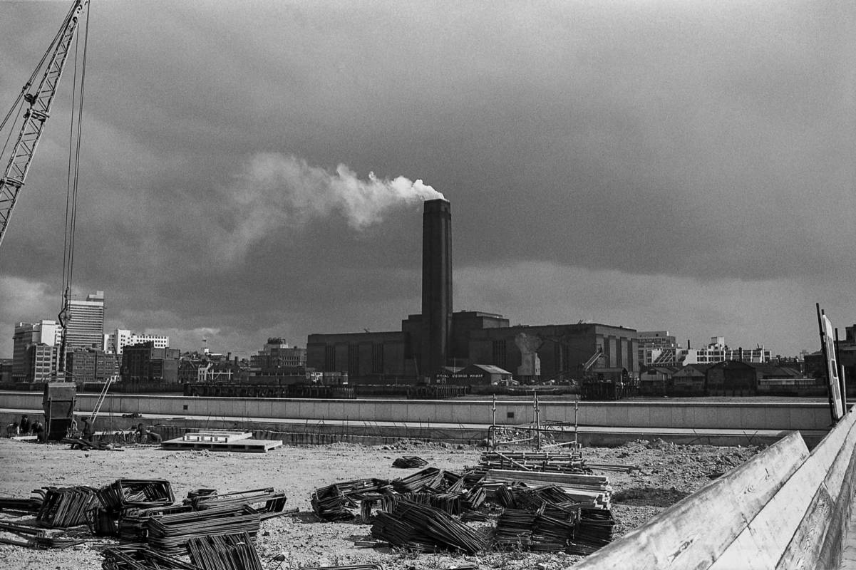 London Docks 1971 © Iris Editha Schacht